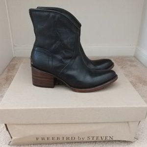 Freebird by Steven black booties